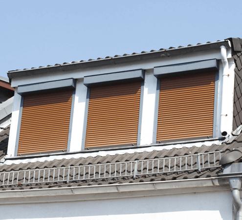 dachgeschosswohnung-mit-rollladen